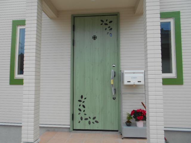 綺麗な緑の玄関
